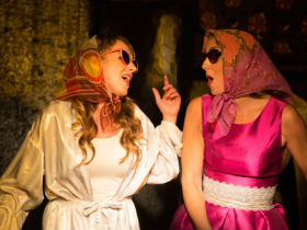 Amy Alexander and Alice Mistroni as Kate and Alice